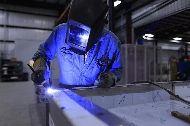 6 Ways Technology Improves Workplace Safety in Manufacturing